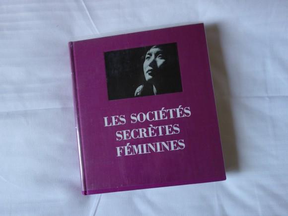 Studio Walter - Les societes secretes feminines